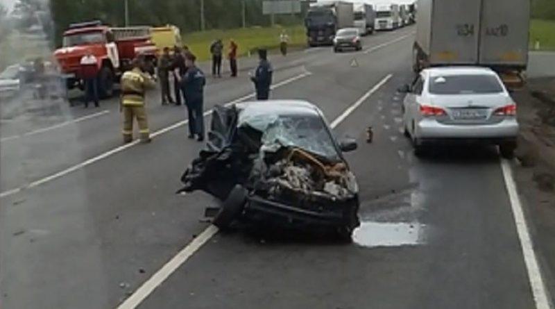 В Татарстане на трассе М-7 столкнулись грузовик и «легковушка»: погиб один человек
