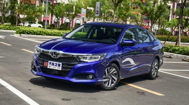 Honda выпустила седан бизнес-класса с литровым мотором (не шутка)