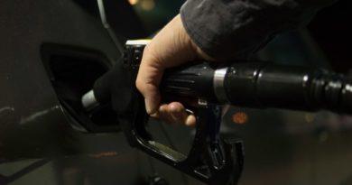 Российское правительство не собирается отказываться от повышения акцизов на топливо с 2019 года