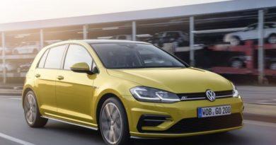 Volkswagen Golf официально вернулся на рынок РФ. Стартовая цена — 1 429 000 рублей