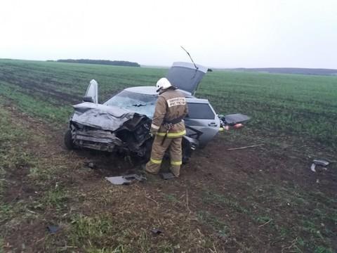 В Татарстане «Лада» врезалась в ВАЗ с прицепом: один человек погиб, трое пострадали