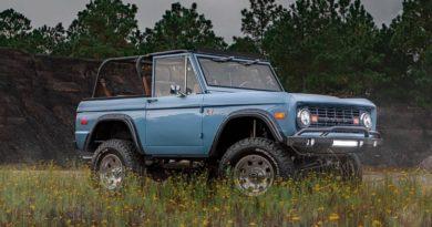 Отреставрированный Ford Bronco 1973 года: 1500 часов работы и цена $229 тысяч