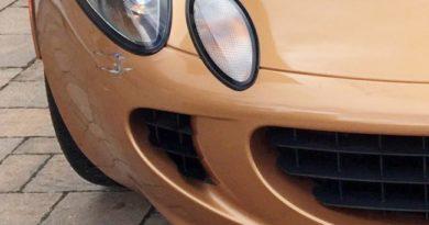 Страховая списала в тотал Lotus Elise из-за царапины на бампере