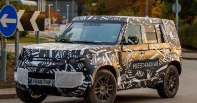 Прототип нового Land Rover Defender в серийном кузове сфотографировали на тестах