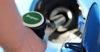 Россияне опасаются очередного увеличения цен на бензин
