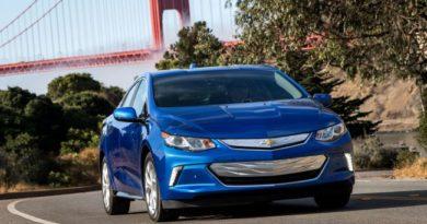 Chevrolet Volt 2019 года постарается удержать славу гибридного чемпиона
