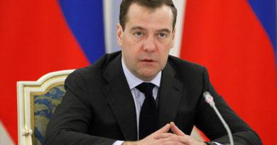 Дмитрий Медведев поздравил участников команды «КАМАЗ-мастер»