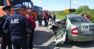 14-летняя школьница из Казани погибла в ДТП с «Камазом»
