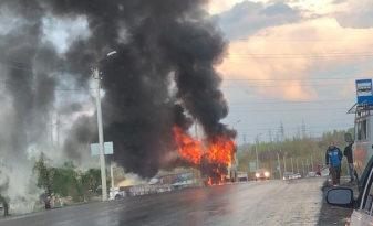 В Татарстане сгорел автобус