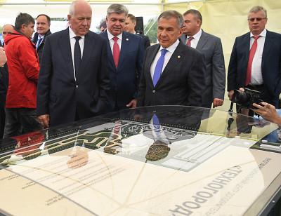 На КАМАЗе Рустаму Минниханову презентовали мегапроект «Техногород» стоимостью 5 млрд рублей