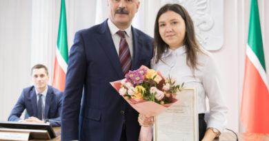 В Исполкоме Казани наградили лауреатов премии имени Артема Айдинова