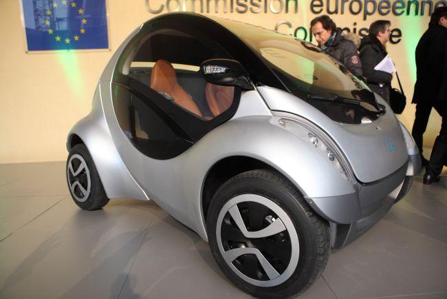 Израильские разработчики представили первый в мире складной автомобиль