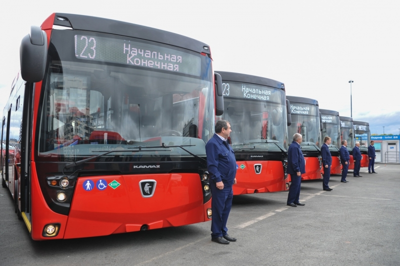 Казани передали 30 автобусов на природном газе