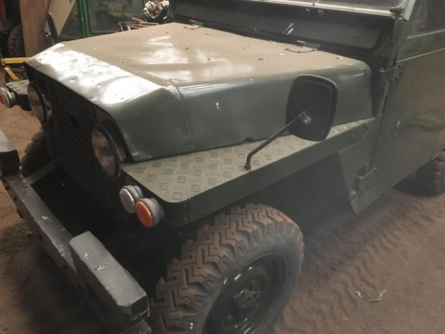 На шотландском складе найдены раритетные Land Rover
