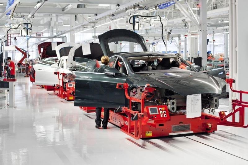 Tesla потеряла трех топ-менеджеров за неделю