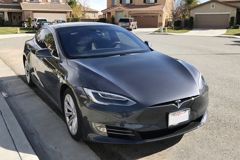 Хакеры научились взламывать Tesla Model S за две секунды (ВИДЕО)