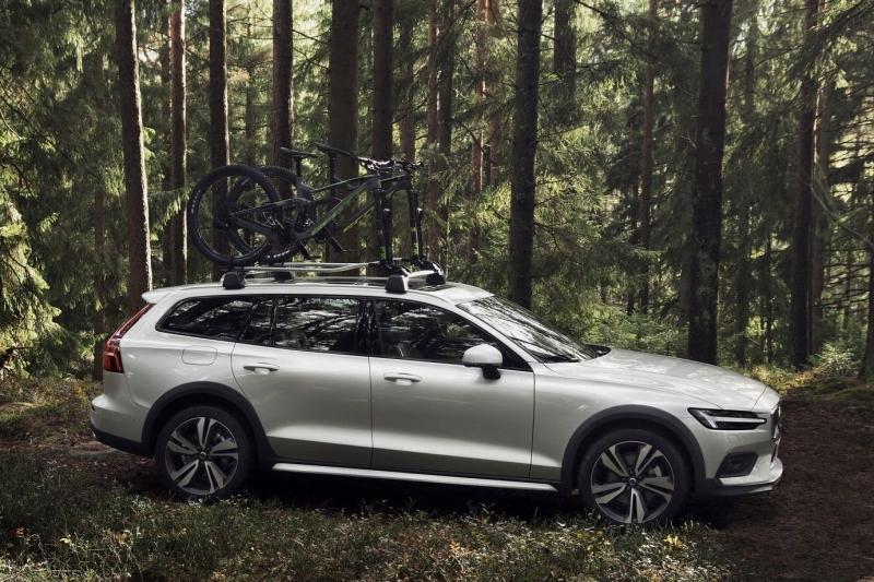 Volvo V60 Cross Country: полный привод по умолчанию и дополнительные 75 мм клиренса
