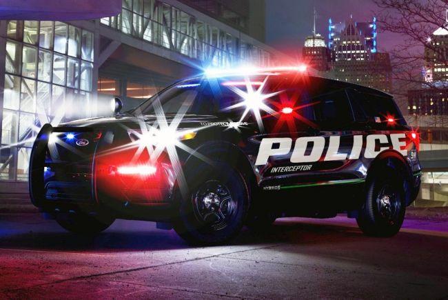 Новый Ford Explorer назван самым быстрым полицейским перехватчиком