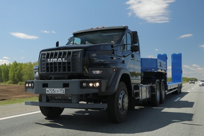 «Группа ГАЗ» начала производство дорожных версий «Урала Next» с колесной формулой 6×4