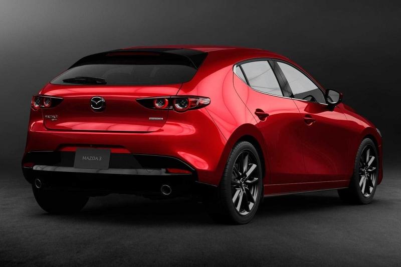 В Лос-Анджелесе показали новую Mazda3: спортивный дизайн и инновационный двигатель