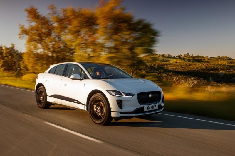 В России начались продажи первого электрического Jaguar: от 5 825 000 рублей