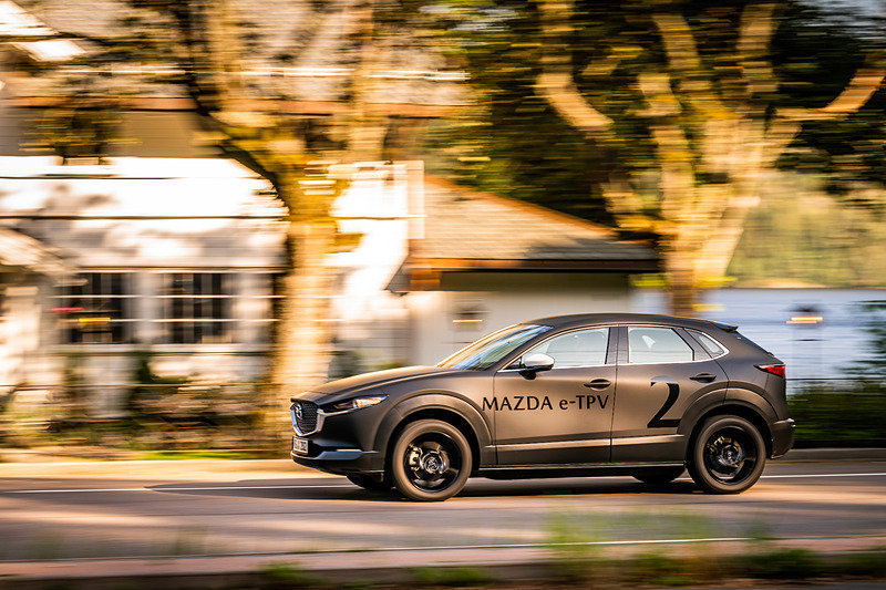 Первый электромобиль Mazda представят уже на следующей неделе
