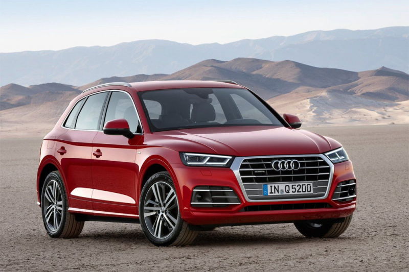 У российских Audi Q5 болтаются накладки колесных арок, объявлен отзыв. Снова