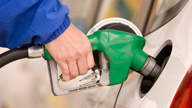 В России прогнозируют падение цен на топливо