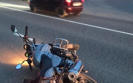 В Казани 62-летний байкер погиб, врезавшись в бордюр