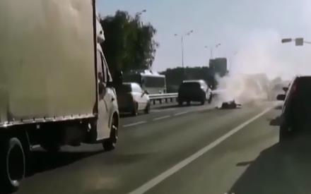 В Казани мотоцикл сгорел дотла после столкновения с машиной
