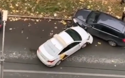Авария с участием пяти автомобилей произошла в Казани