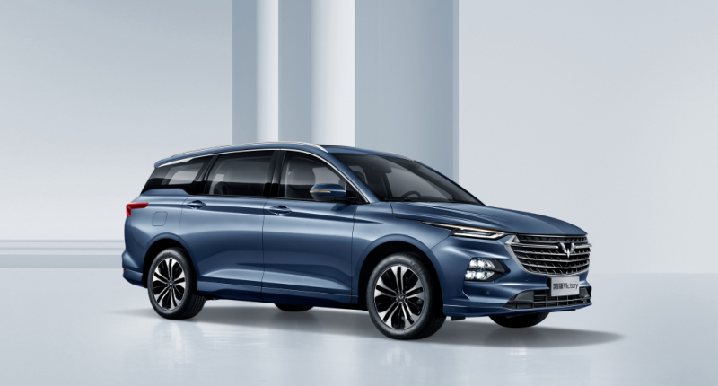 Новый семейный автомобиль на 7 мест по цене от ₽1 млн может приехать в Россию. Представлен минивэн от Wuling