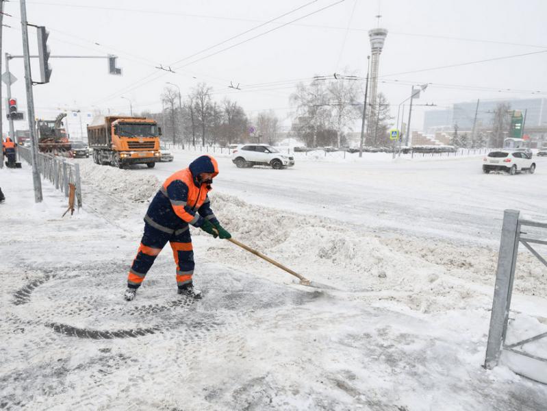 333 единицы спецтехники и 387 дорожных рабочих выйдут на уборку улиц Казани от снега