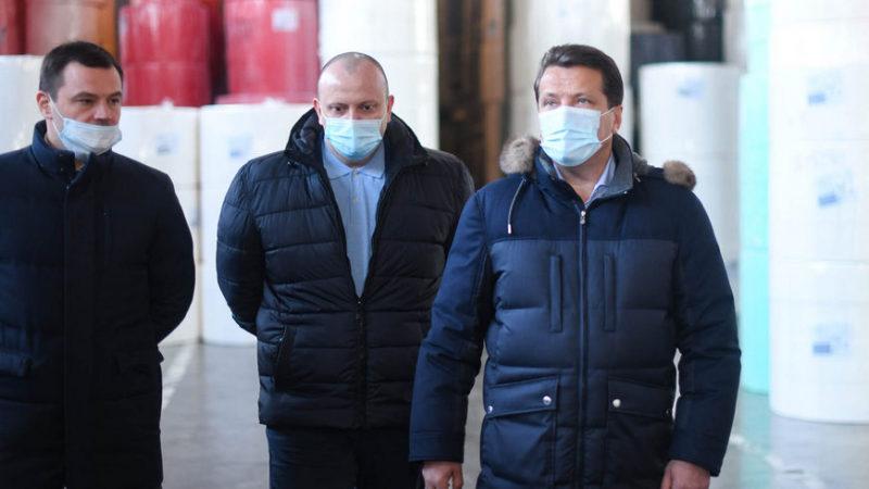 Мэр Казани Ильсур Метшин посетил бумажную фабрику Nega