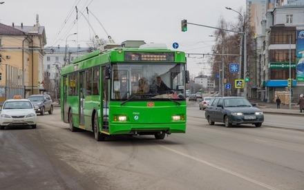 При столкновении двух троллейбусов в Казани пострадали три пенсионерки