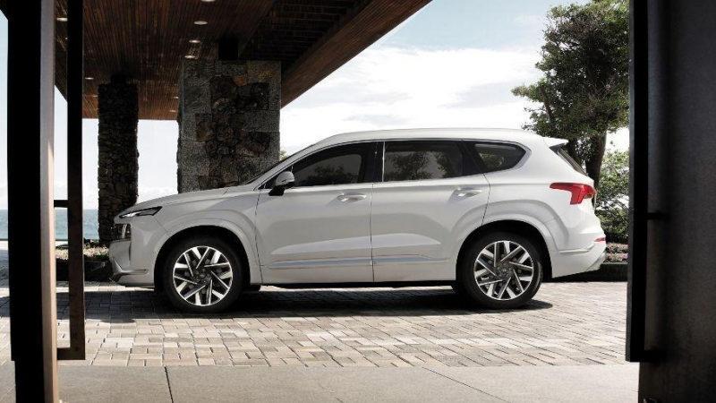Hyundai Santa Fe получил новую вариацию Caligraphy 2021