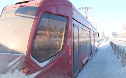 Очевидцы: на улице Ершова в Казани из-за аварии встали трамваи