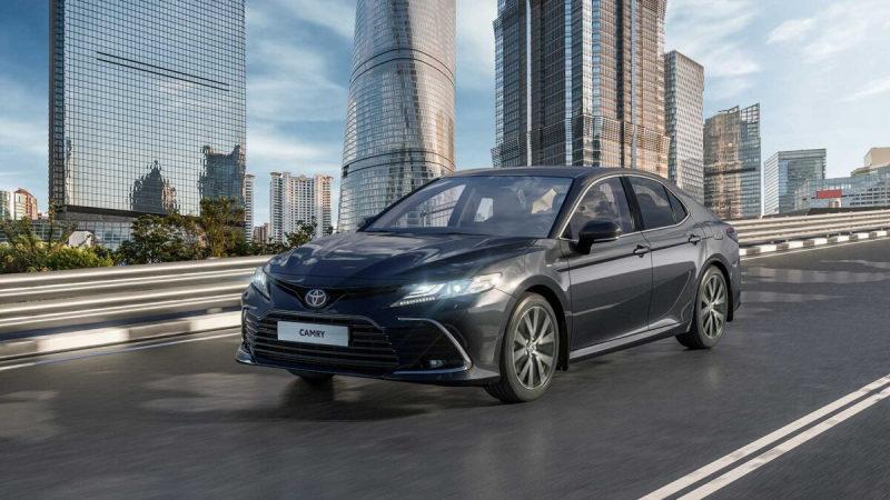 В России начались продажи новой Toyota Camry 2021