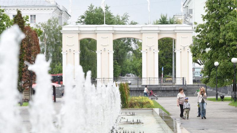 В парке «Крылья Советов» покажут комедию «Три плюс два»