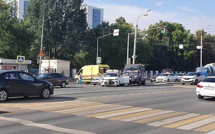 Тройное ДТП с участием скорой помощи произошло на Сибирском тракте в Казани