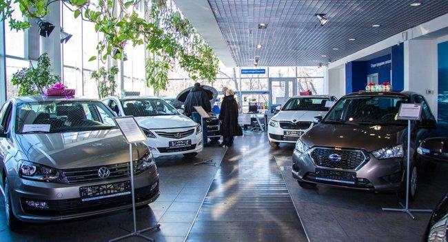 В Новосибирске автодилеры склоняют покупателей к доплатам за новые автомобили