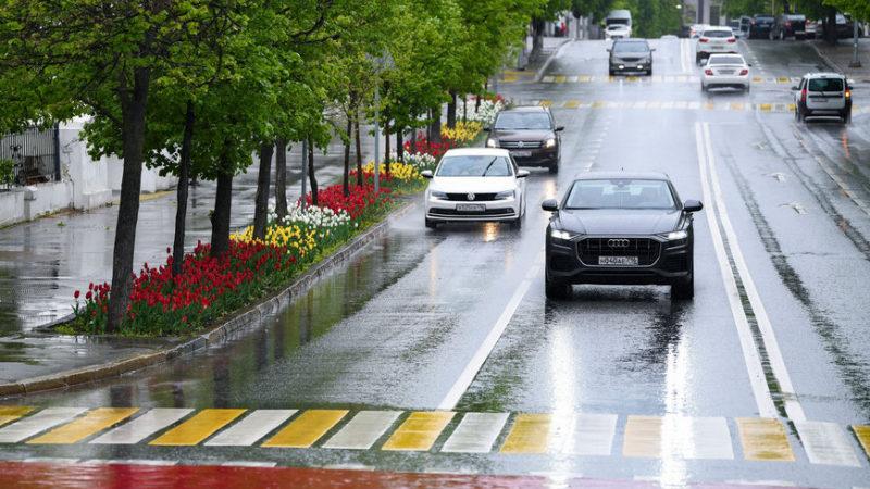 Казанцев предупреждают об ухудшении погодных условий – ожидаются грозы и ветер до 20 м/с