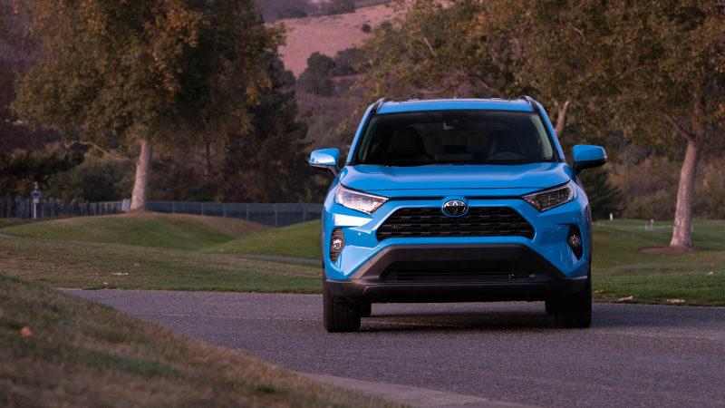 Тойота РАВ4 2022 новый кузов, цены, комплектации, фото, видео тест-драйв