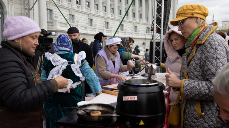Татарстанские фуд-сувениры, бабушкины рецепты и секреты приготовления томленой говядины – чем порадовала «Вкусная Казань» в этом году