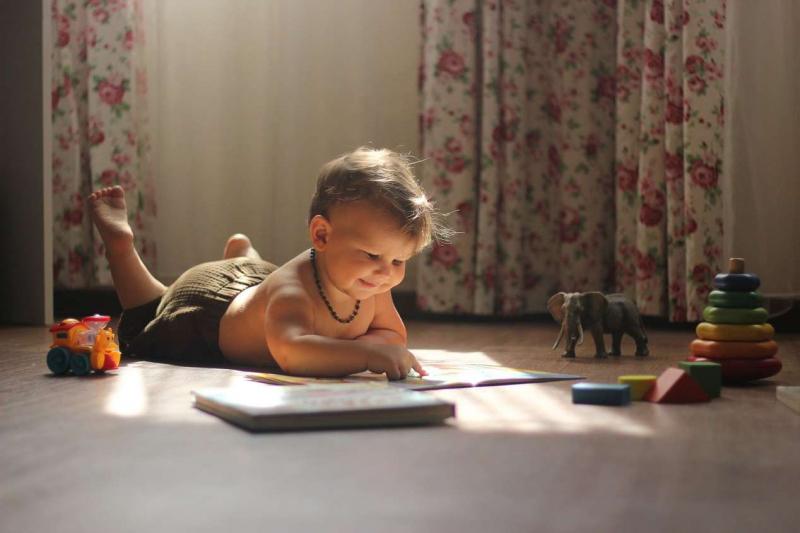 48% российских семей считают необходимым копить деньги на высшее образование детей