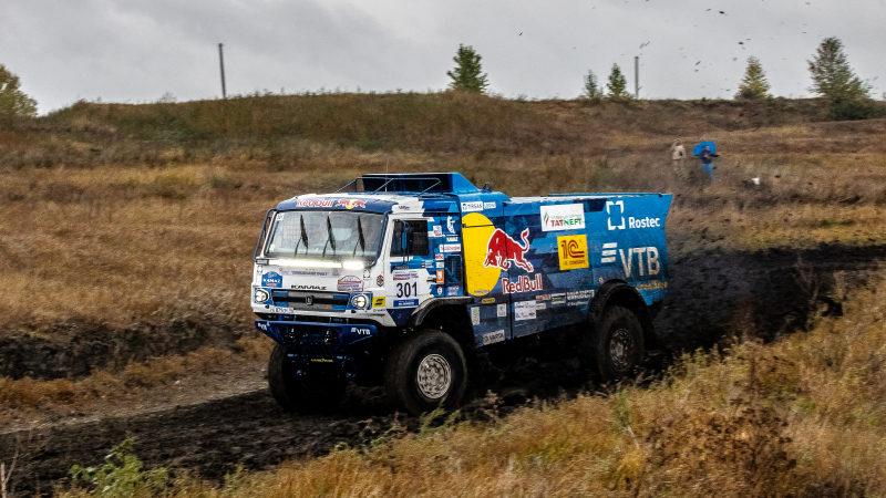 КАМАЗ-мастер: Три экипажа команды «КАМАЗ-мастер» стартовали на 3-ем этапе Чемпионата России по ралли-рейдам – Бахе «Симбирский тракт».