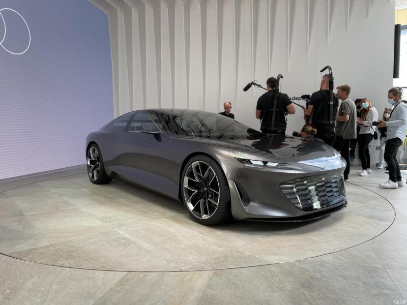 Концепт Audi Grandsphere 2021 официально представлен в Мюнхене
