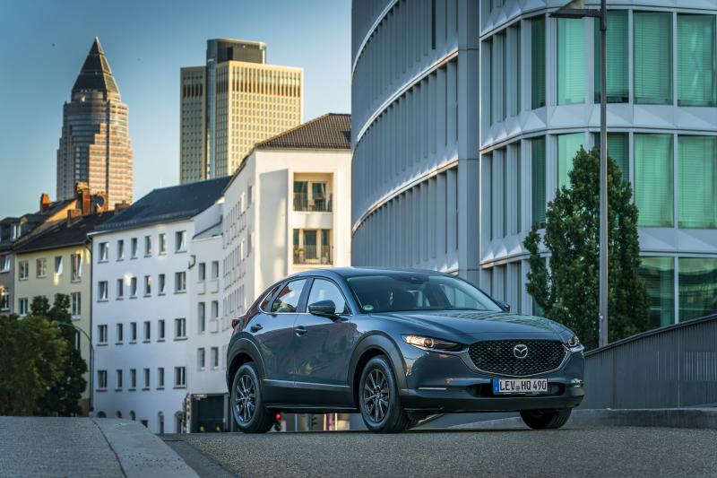 Несколько крупных внедорожников и CX-50 следующего поколения: Mazda рассказала о будущих новинках