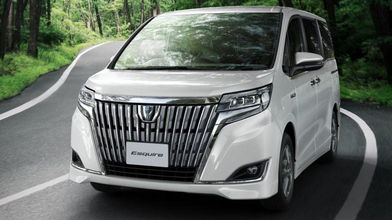 Toyota остановит выпуск роскошного минивэна Esquire в конце 2021 года