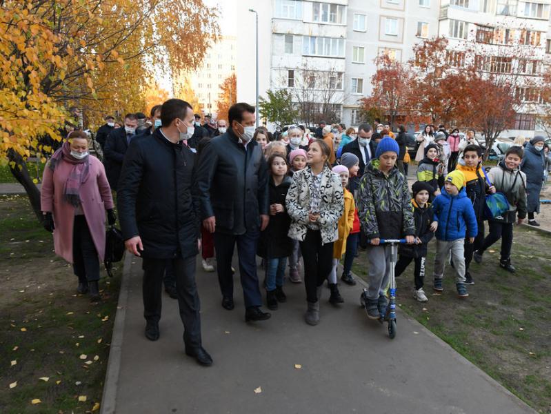 И.Метшин о капремонте двора по улице Ломжинской: «Преображения ждали 2 тысячи жителей близлежащих домов»